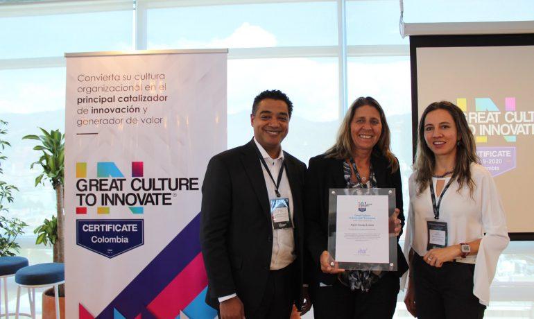 Foto: PErsonal de Equión recibe reconocimiento por parte del Great Place to Work